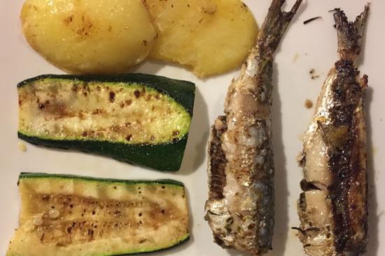 Semplicità e bontà alla griglia: verdure e acciughe
