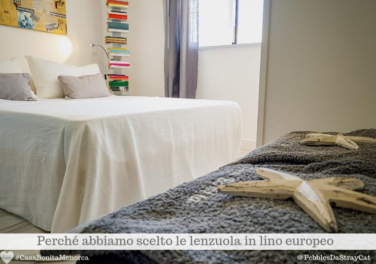 Lenzuola di lino lavato e rigorosamente bianco nella camera Picasso