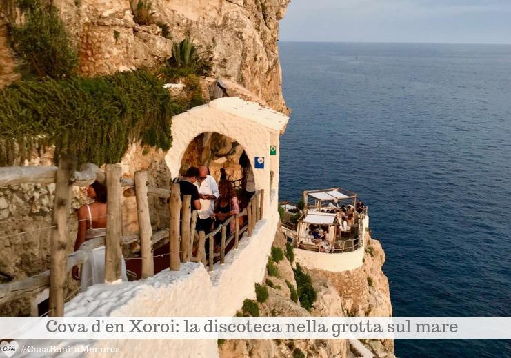Cova d'en Xoroi: una scalinata di 90 gradini porta a terrazze e grotte