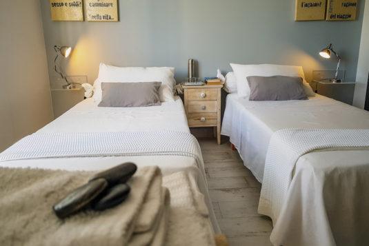 Confucio en la versión dos camas individuales