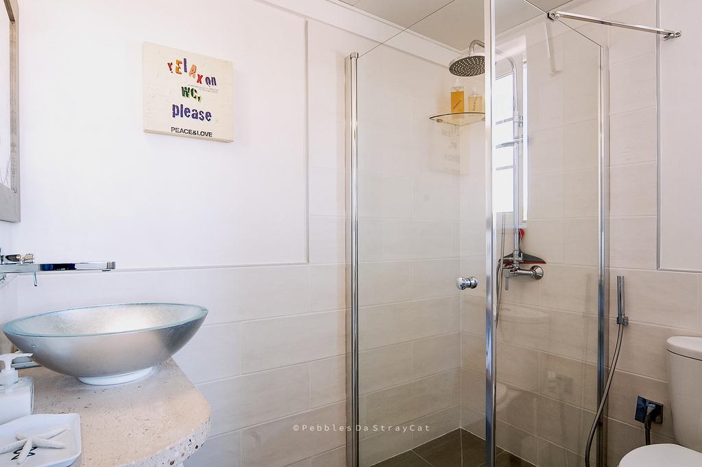 Bagno privato con doccia nella camera Picasso