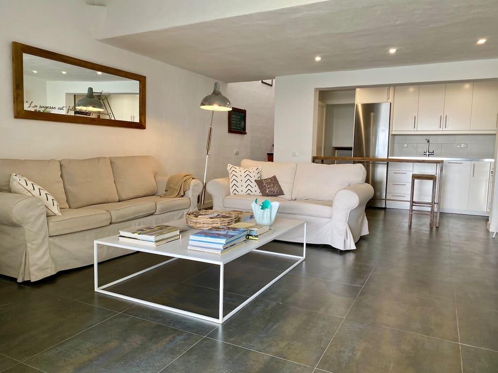 Binimares living room